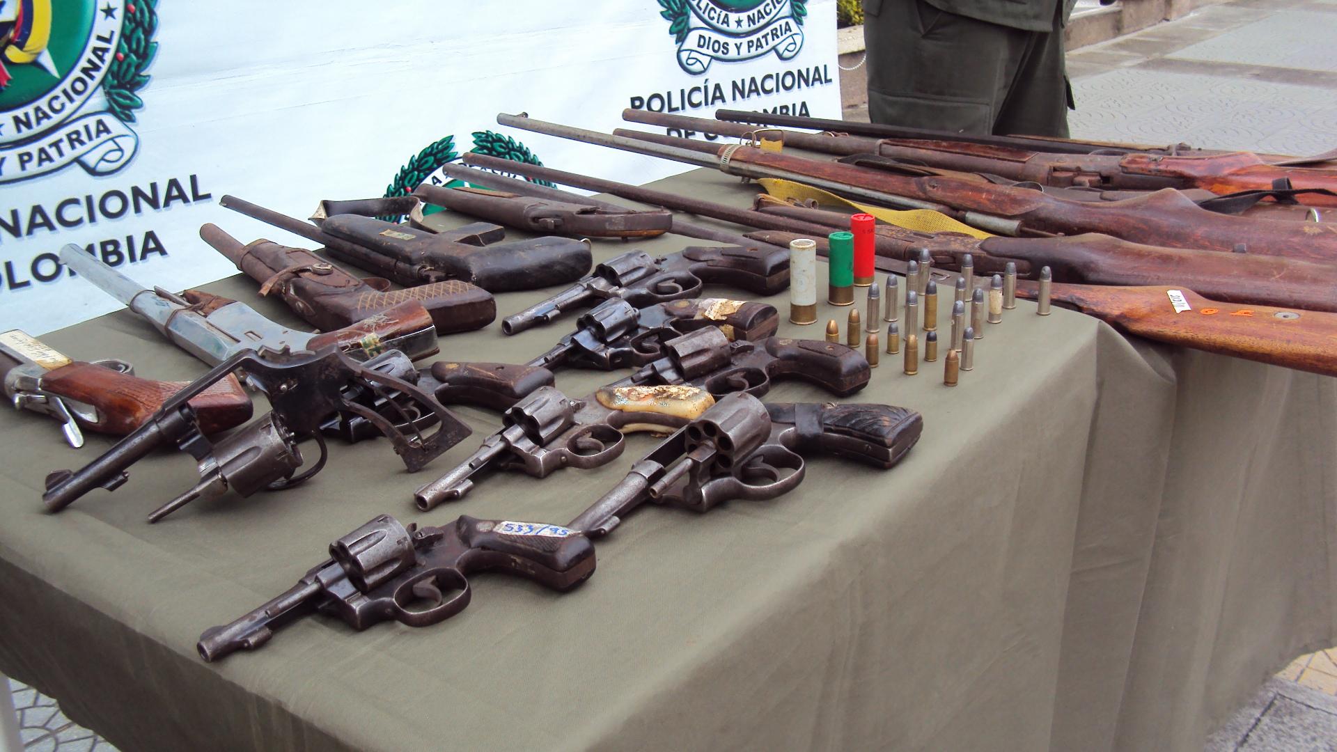 Incautaci n masiva de armas de fuego en caldas meridiano for Porte y tenencia de armas